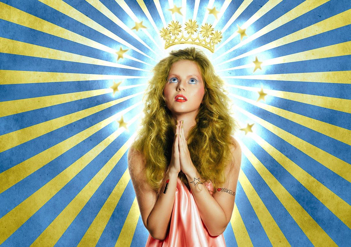ragazza con la corona